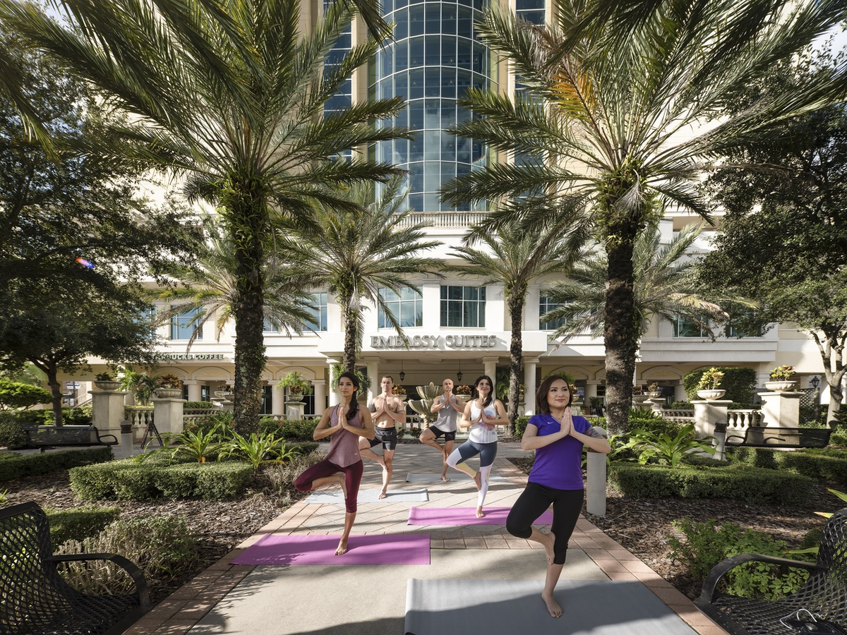 Tampa_embassy_suites_lifestyle_4_sm
