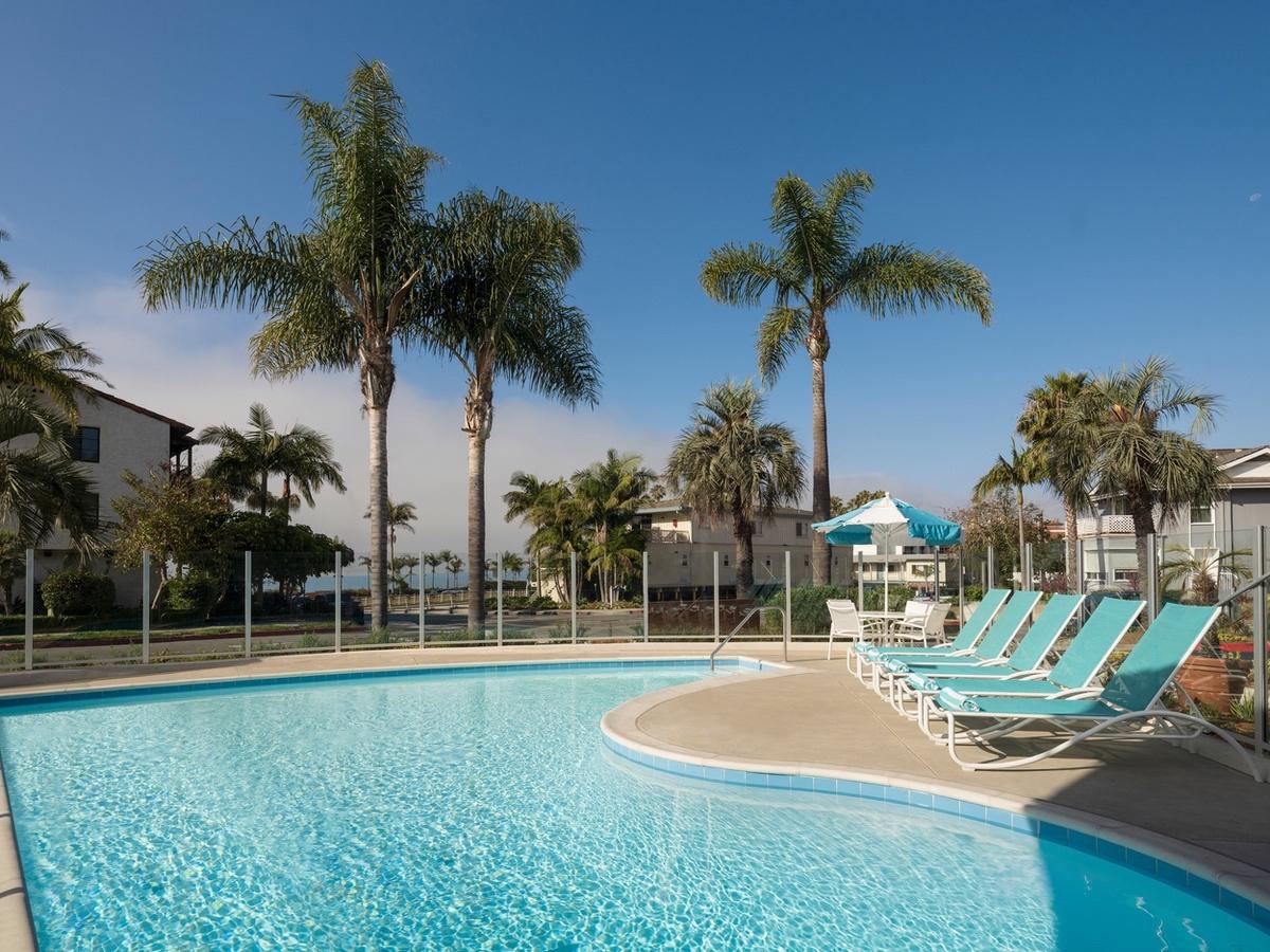 G6-Hospitality-2021-Pool