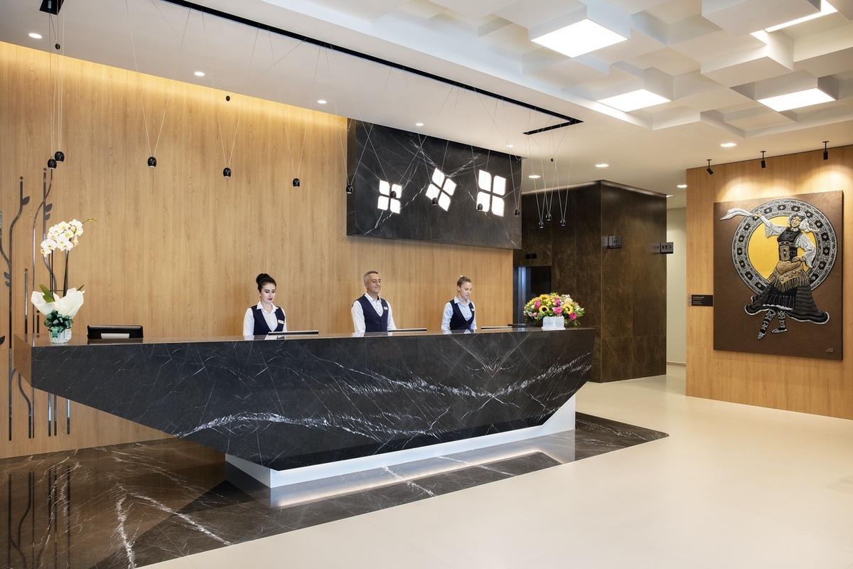 Hilton-2021-Reception 1