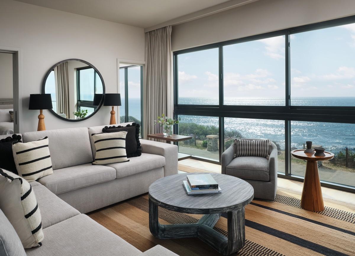Hyatt-2021-Alila 268 Grandview living room (1) (1)