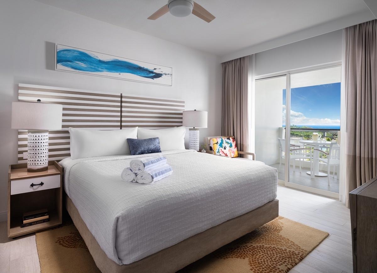 Hyatt-2021-Puerto Rico HRC bedroom 17_1