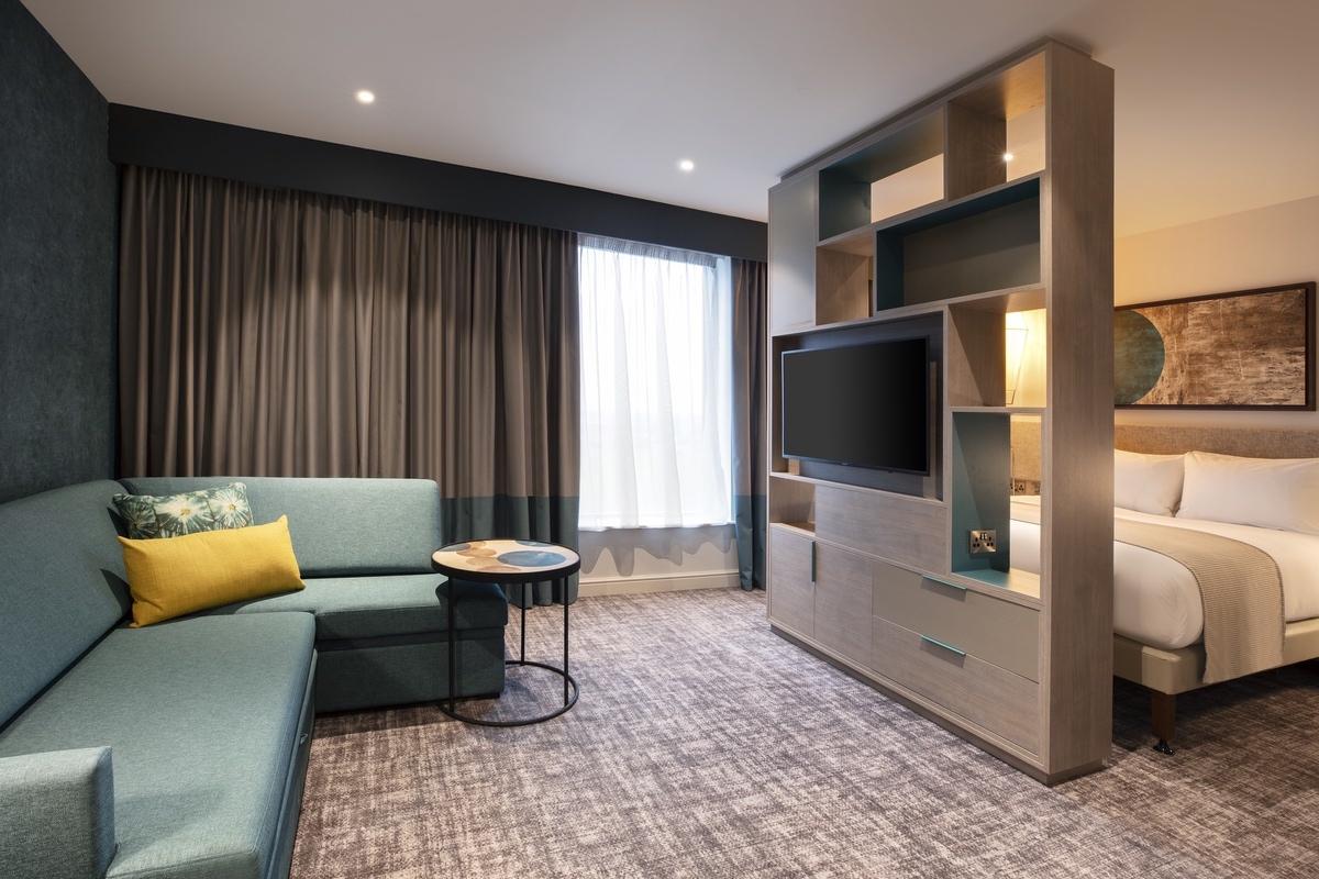 IHG-2021-Accessible Suite LR 2