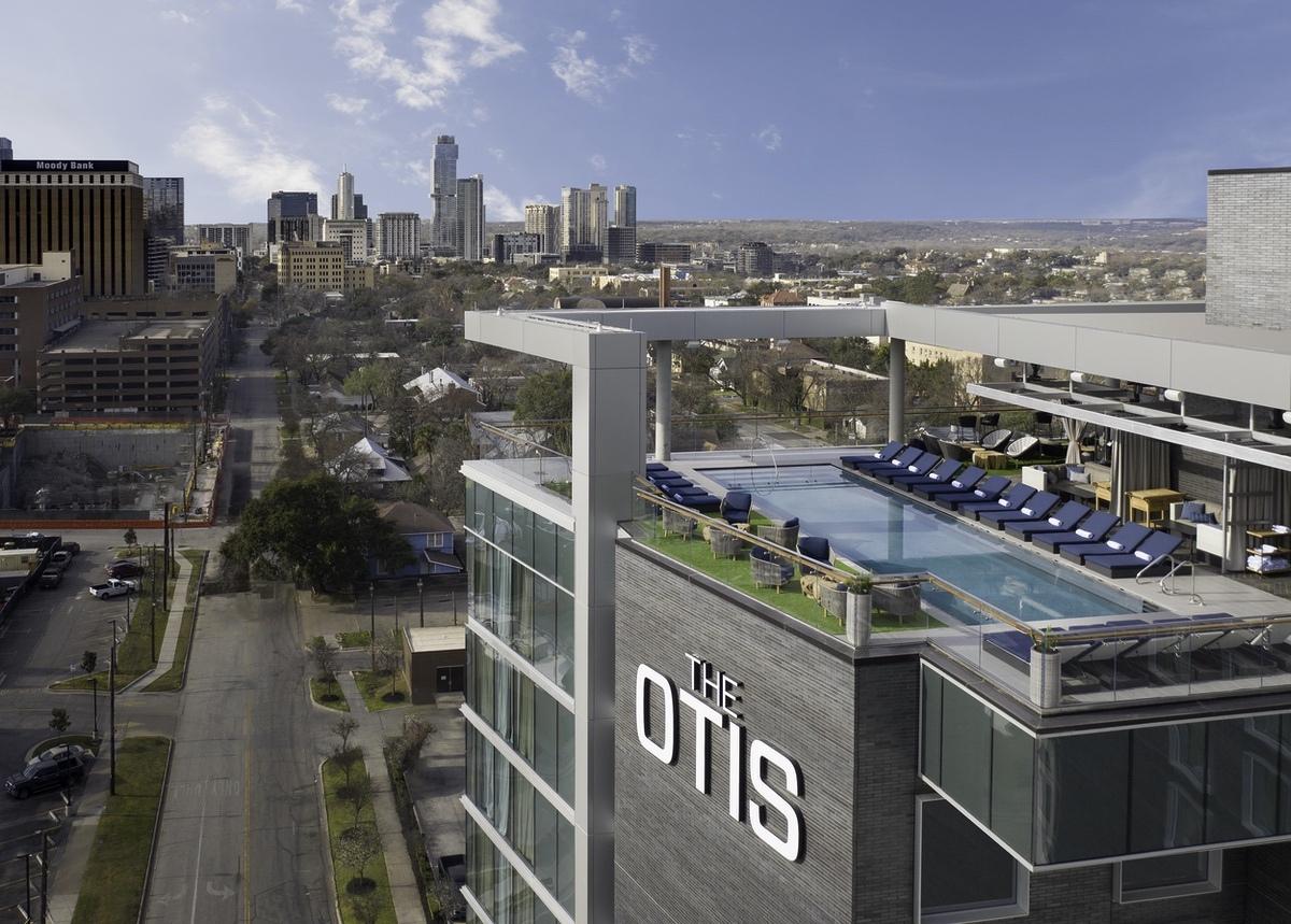 Marriott-2021-Austin Otis Pool exterior drone