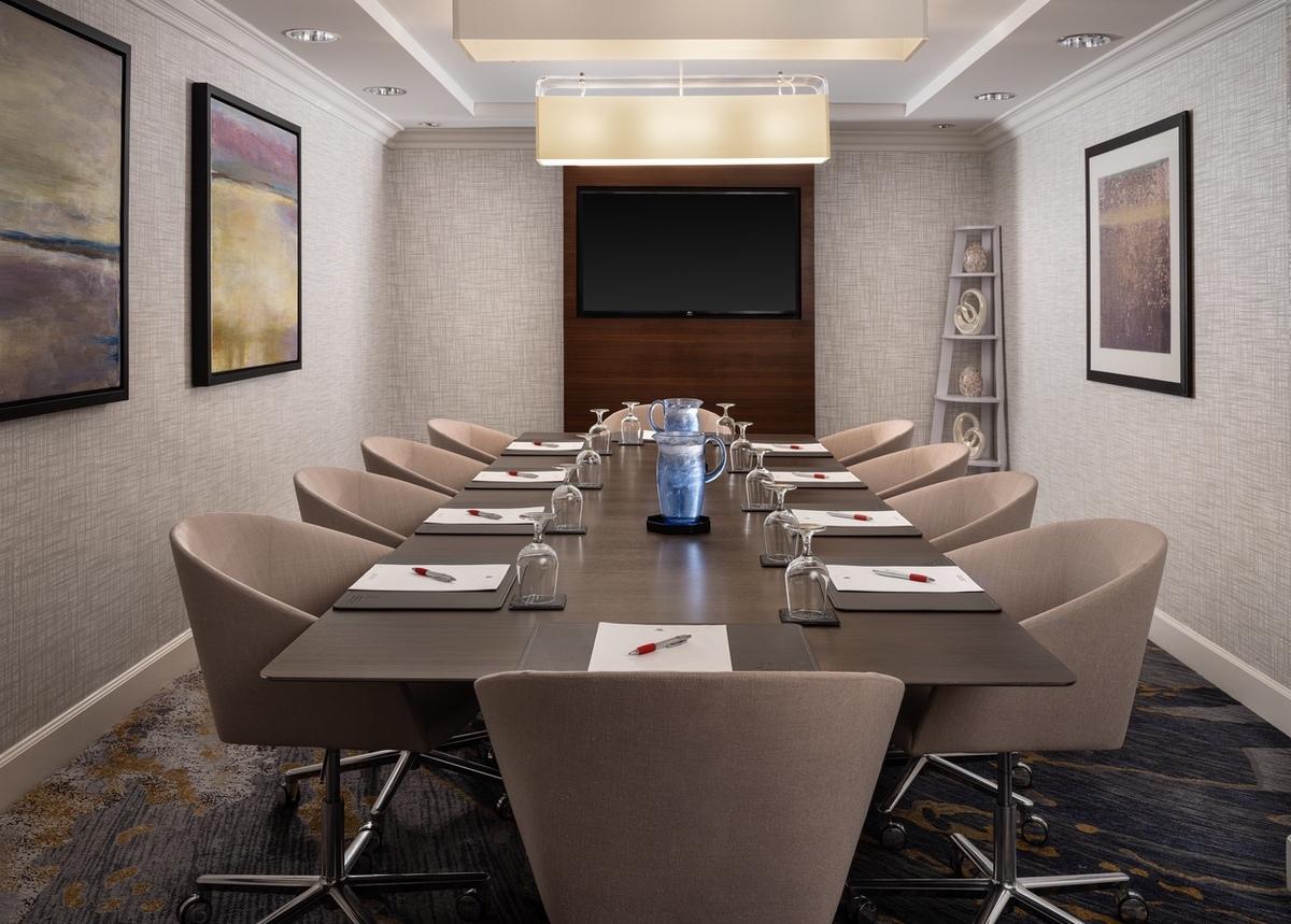 Marriott-2021-Woodland Hills Marriott boardroomA