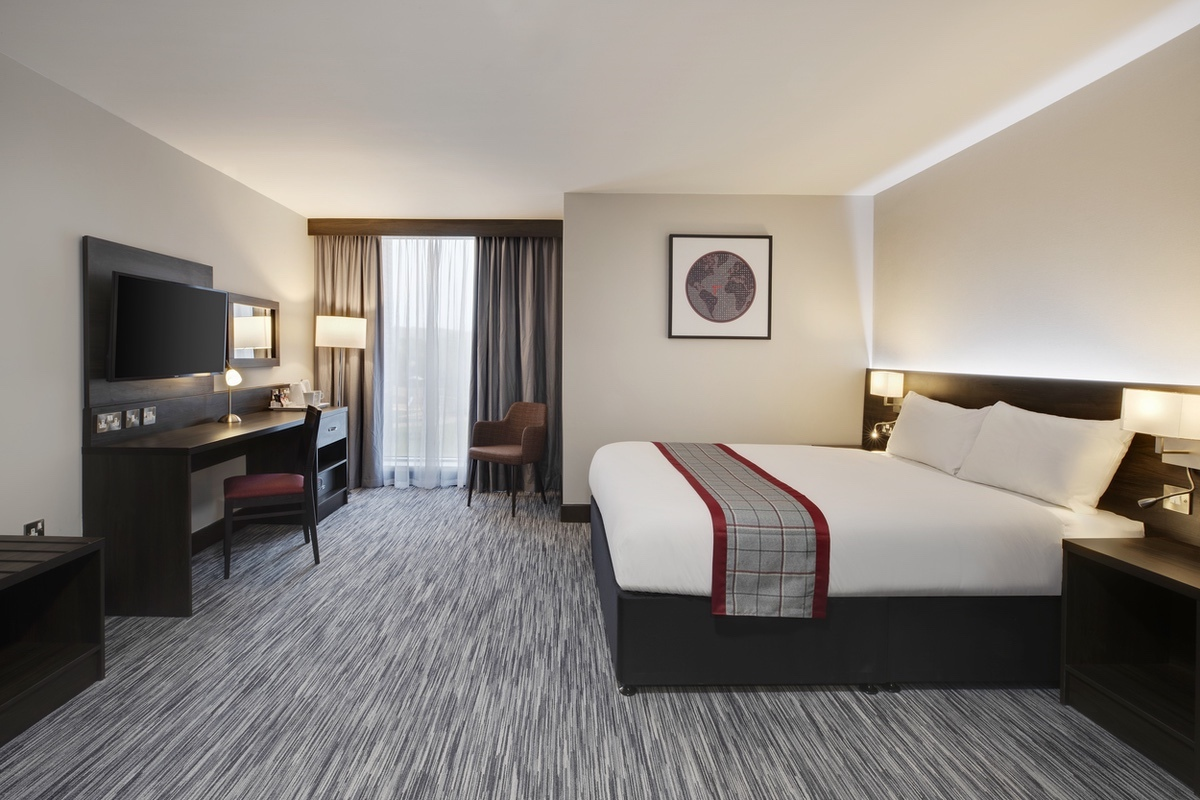 Wyndham-2021-Accessible Room 1
