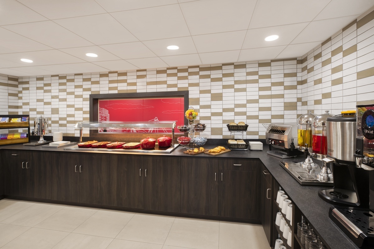 Wyndham-2021-Breakfast Area 1