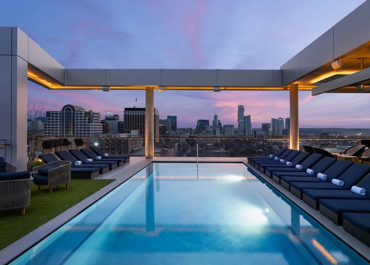 white-lodging-Otis pool dusk