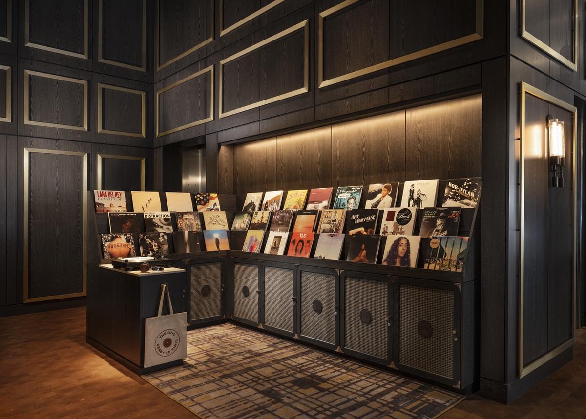 white-lodging-Otis vinyl library