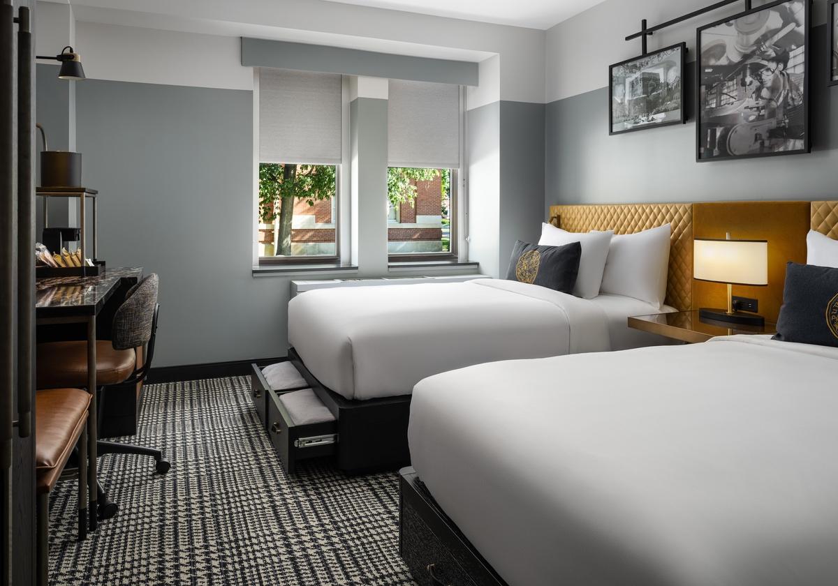 white-lodging-Union Club Hotel 163
