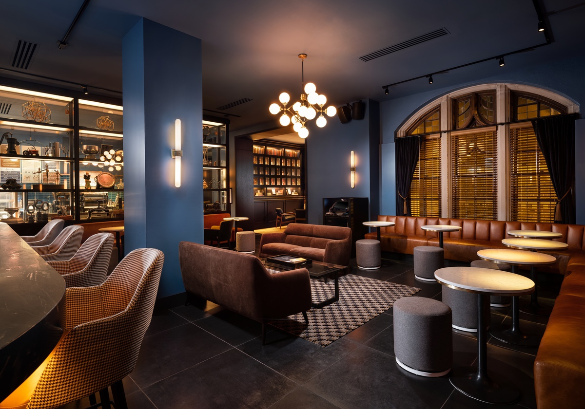 white-lodging-Union Club Hotel bar lounge area