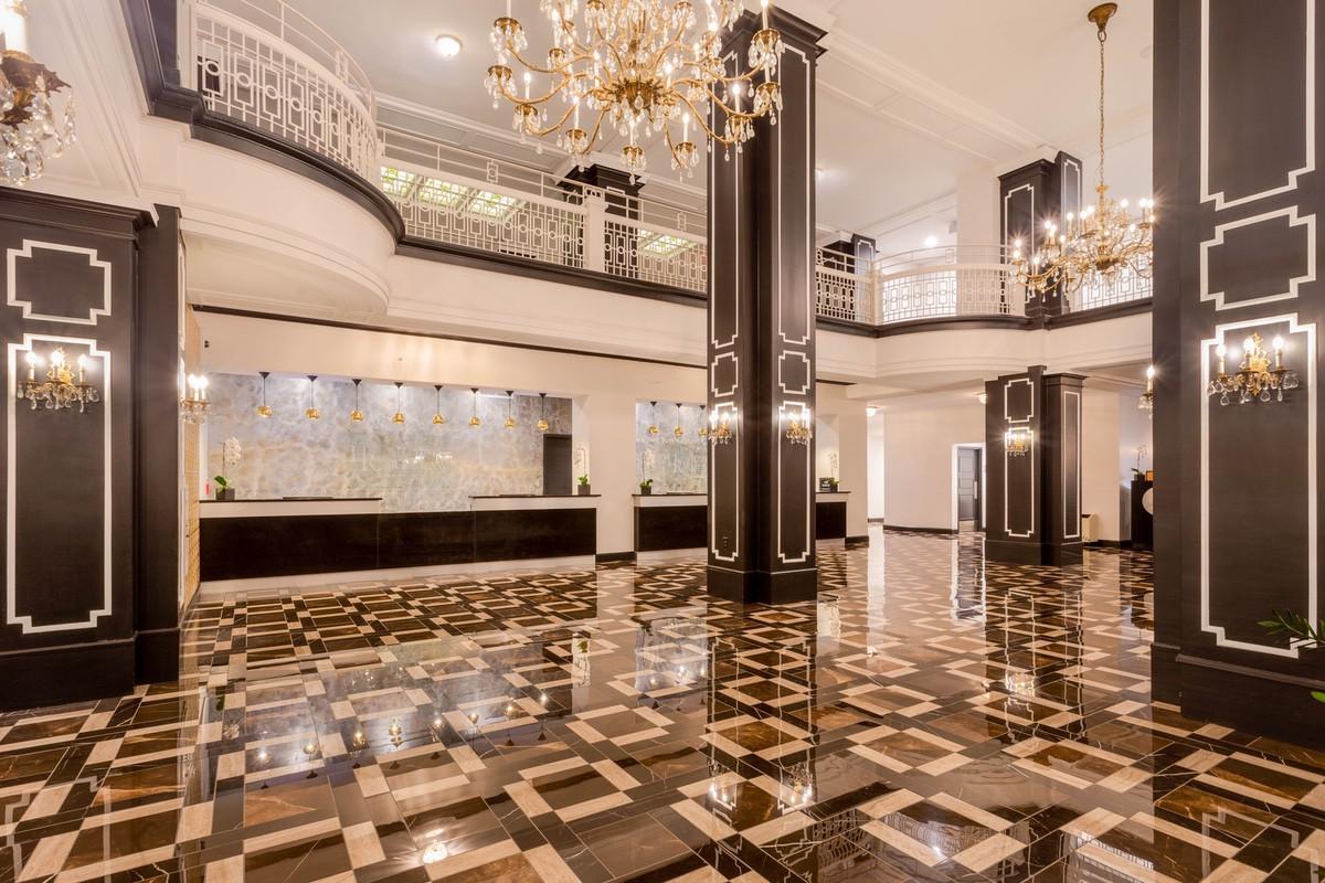 wyndham-02063 TQ Hotel Retlaw 30 images - lobby-1