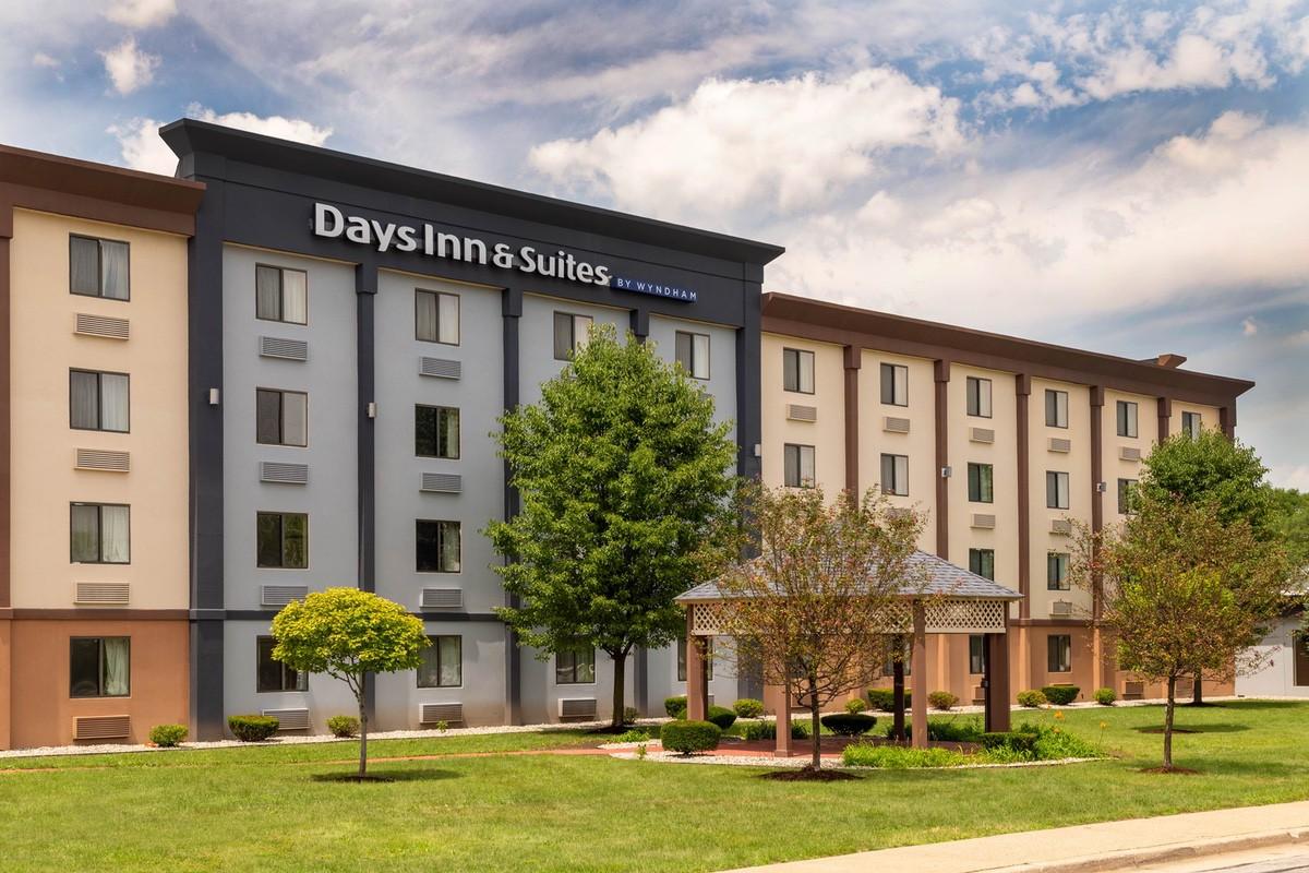 wyndham-06059 Exterior Daytime 2