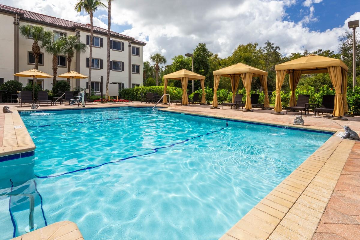 wyndham-30293 Pool1