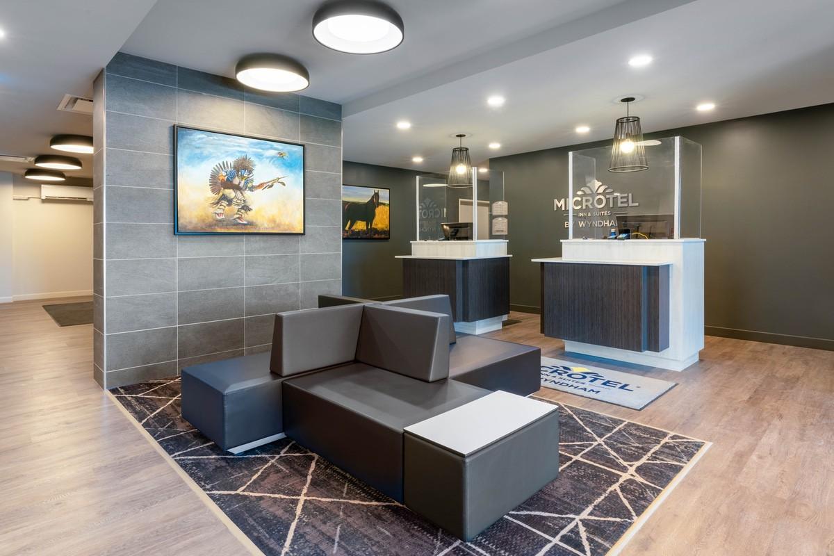 wyndham-53939 lobby1